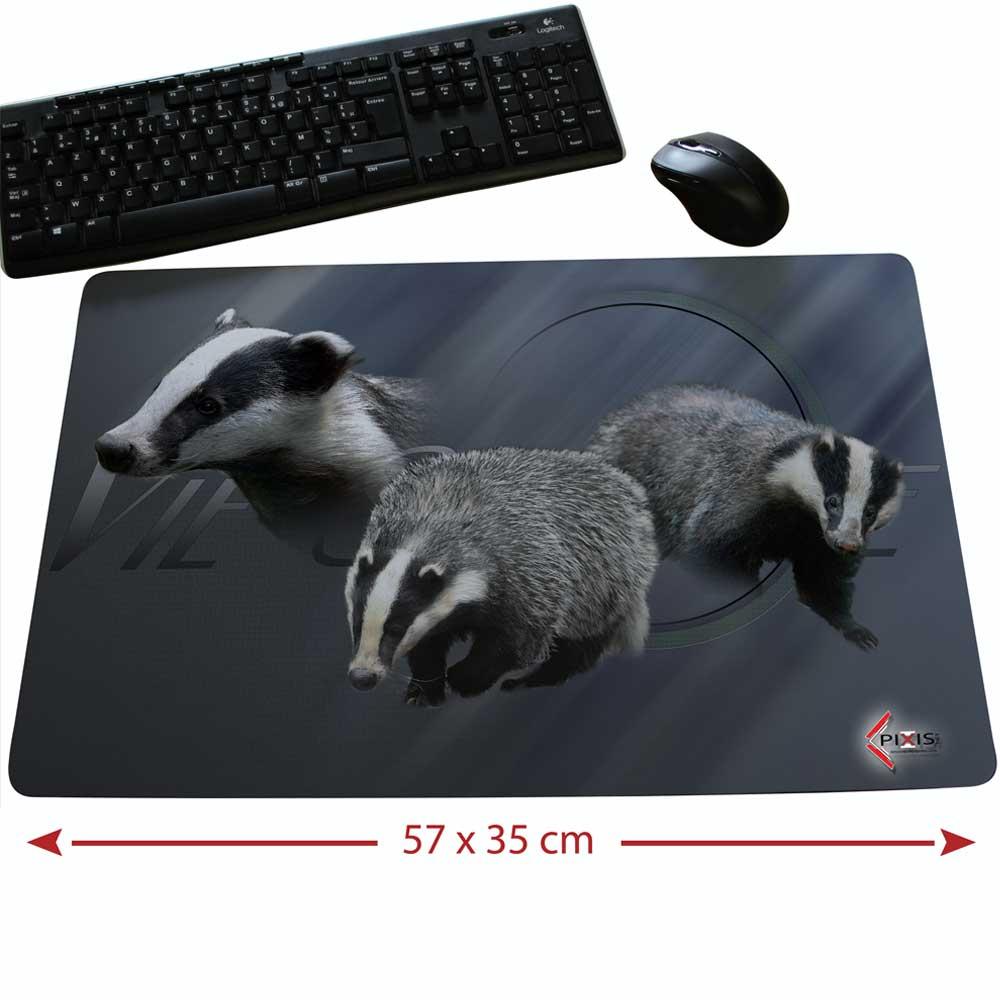 Tapis de souris qui représente une race de gibier, le blaireau